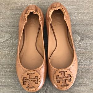 Tory Burch tan reva flat